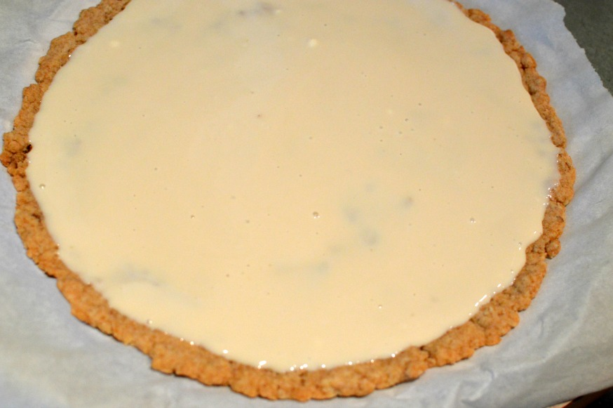 Oatmeal Crust and Fruit Pizza Sauce