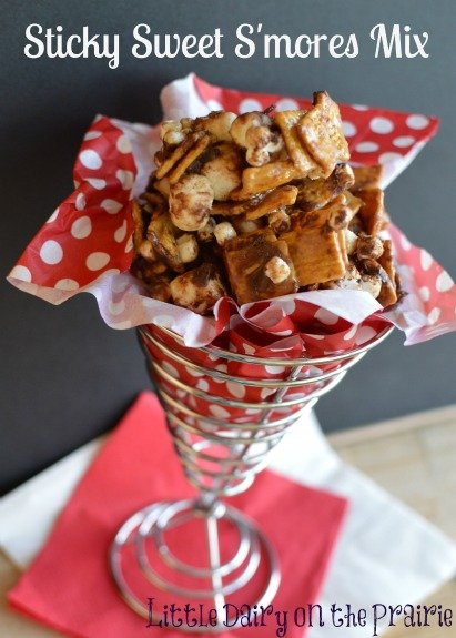 Sticky Sweet S'mores Mix with marshmallows, Golden Grahams, chocolate chips and butter sauce
