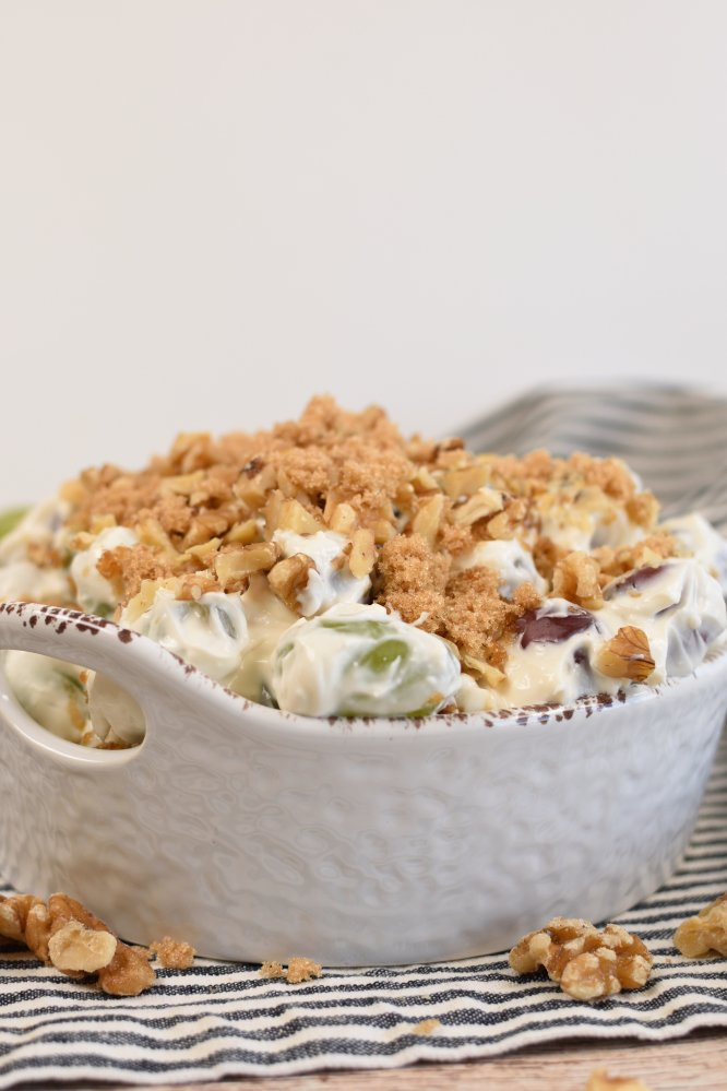 Grape salad with a creamy dressing and crunchy streusel topping.