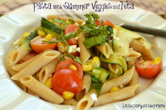 A simple salad with amazing flavors from summer veggies!