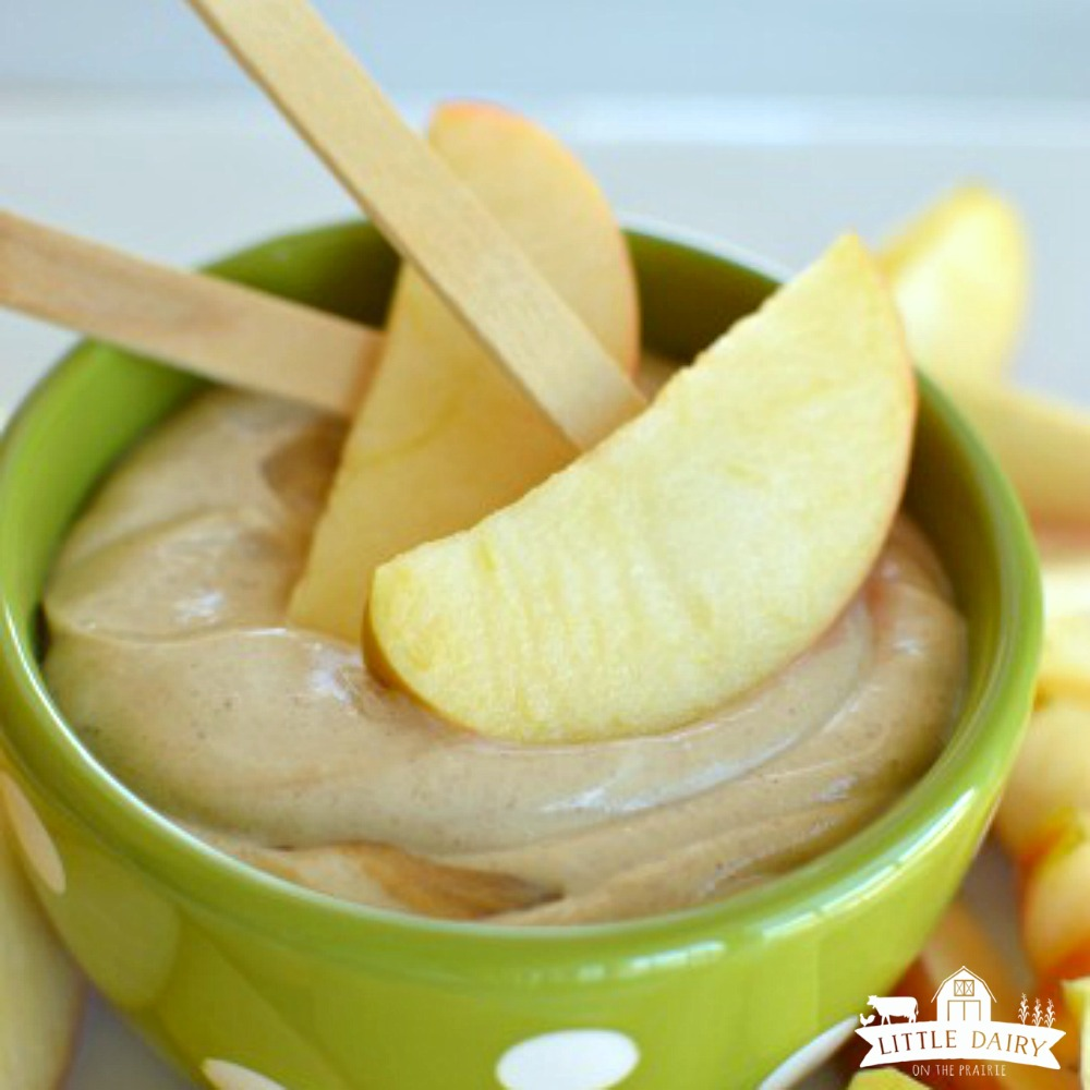 greek-yogurt-peanut-butter-apple-dip