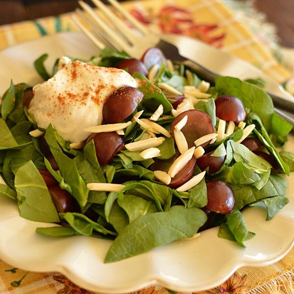 Spinach & Grape Salad with Cinnamon Yogurt Dressing!!!