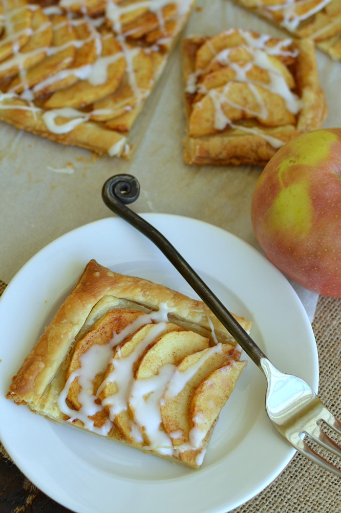 Simple Puff Pastry Apple Tart is an semihomemade dessert