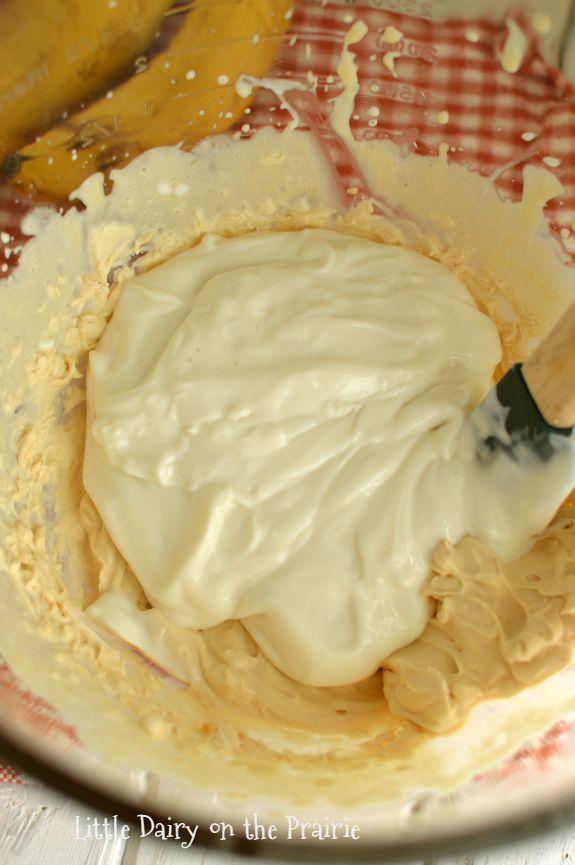 Greek Yogurt Caramel Apple Dip