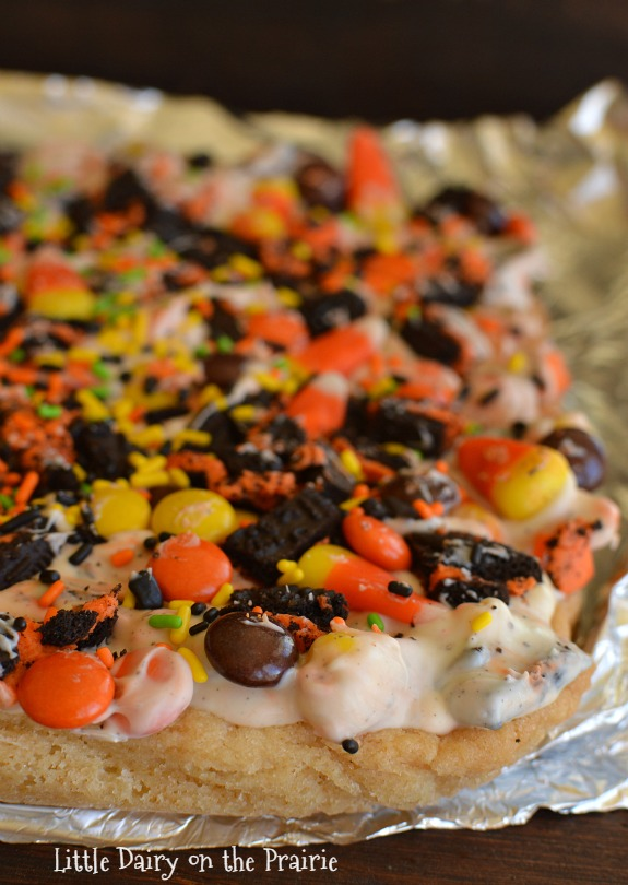 Halloween Sugar Cookie Bars! Easy and Yummy!