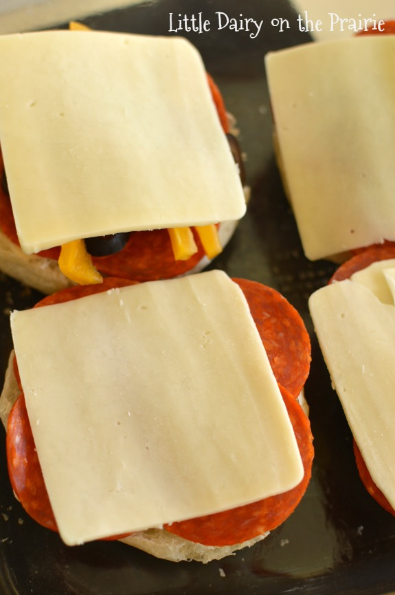 Pepperoni Pizza Sliders! Yummy!