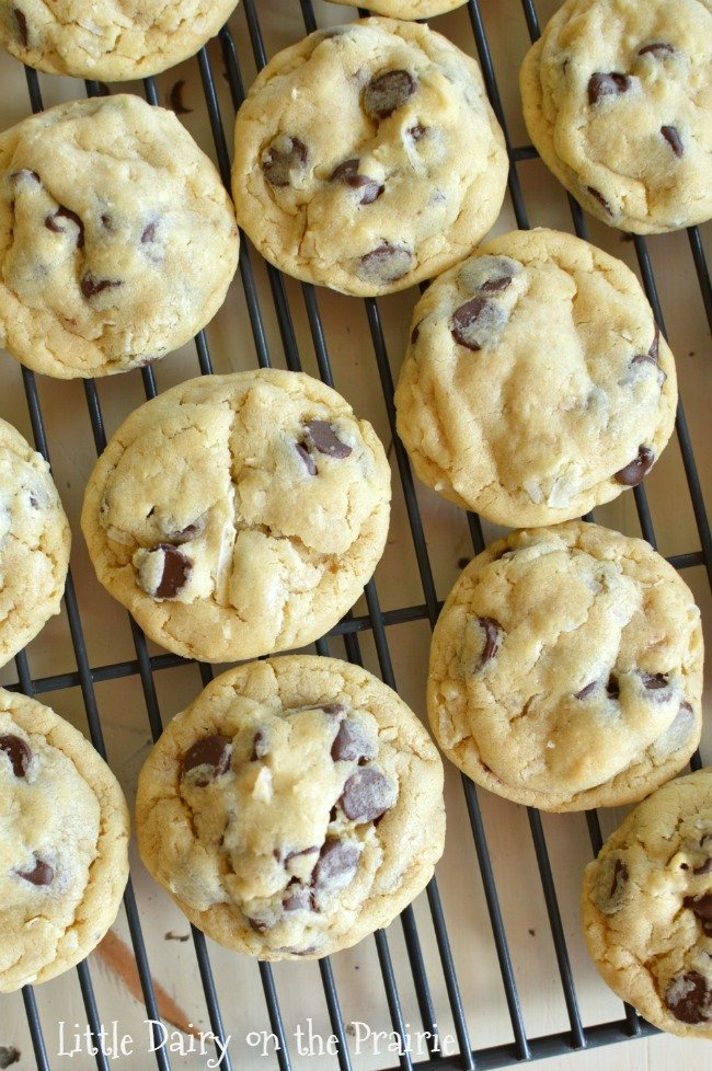 baked cookies on a cooking rack