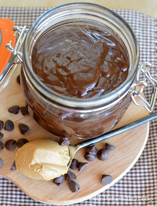 peanut-butter-hot-fudge-sauce-4