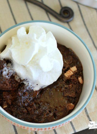 Hot Chocolate Sundae Cake