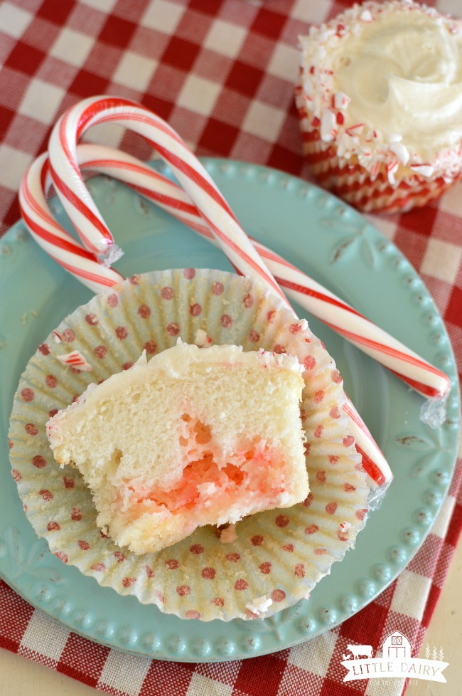 candy-cane-cupcakes-10