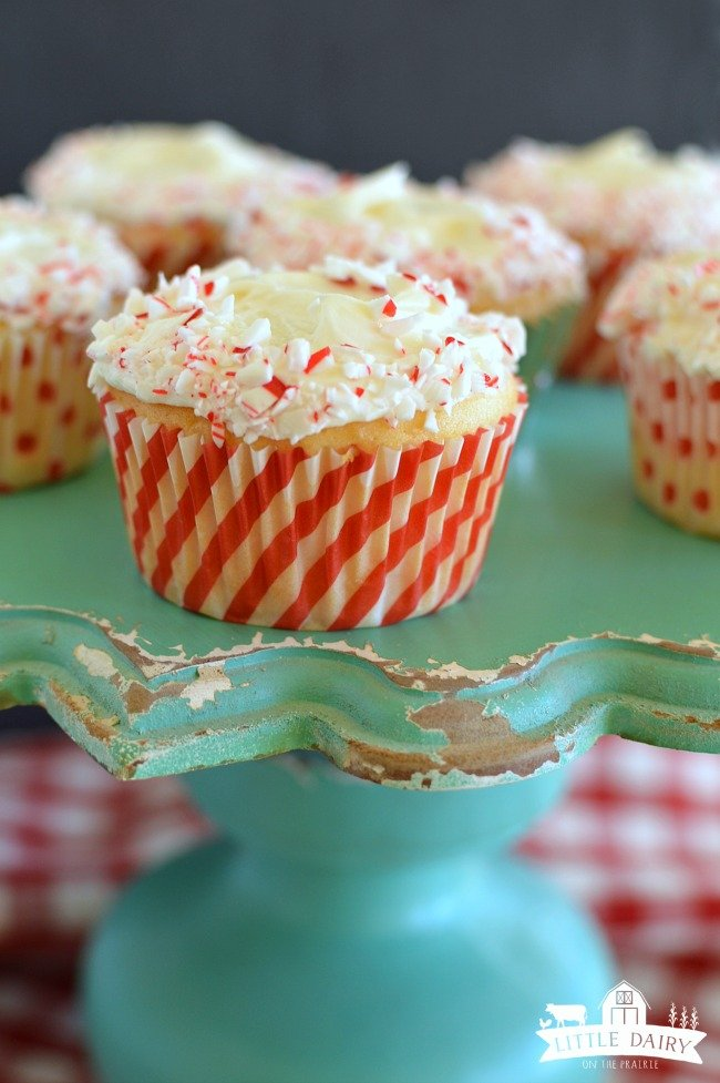 candy-cane-cupcakes-6