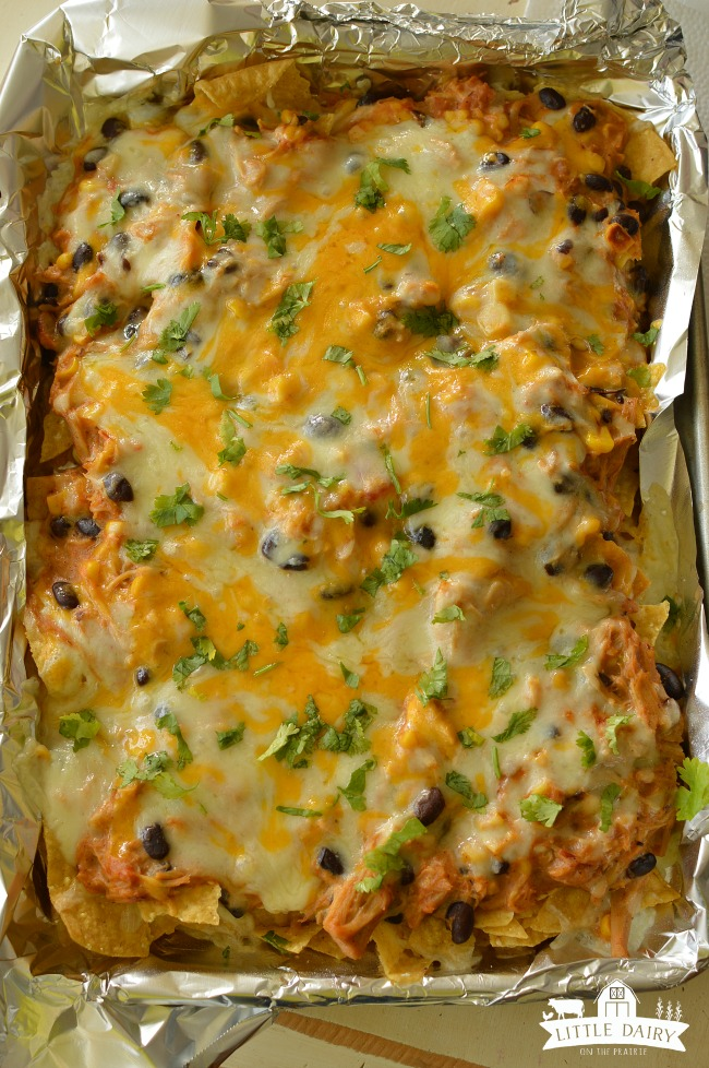 slow-cooker-creamy-chicken-nachos-7