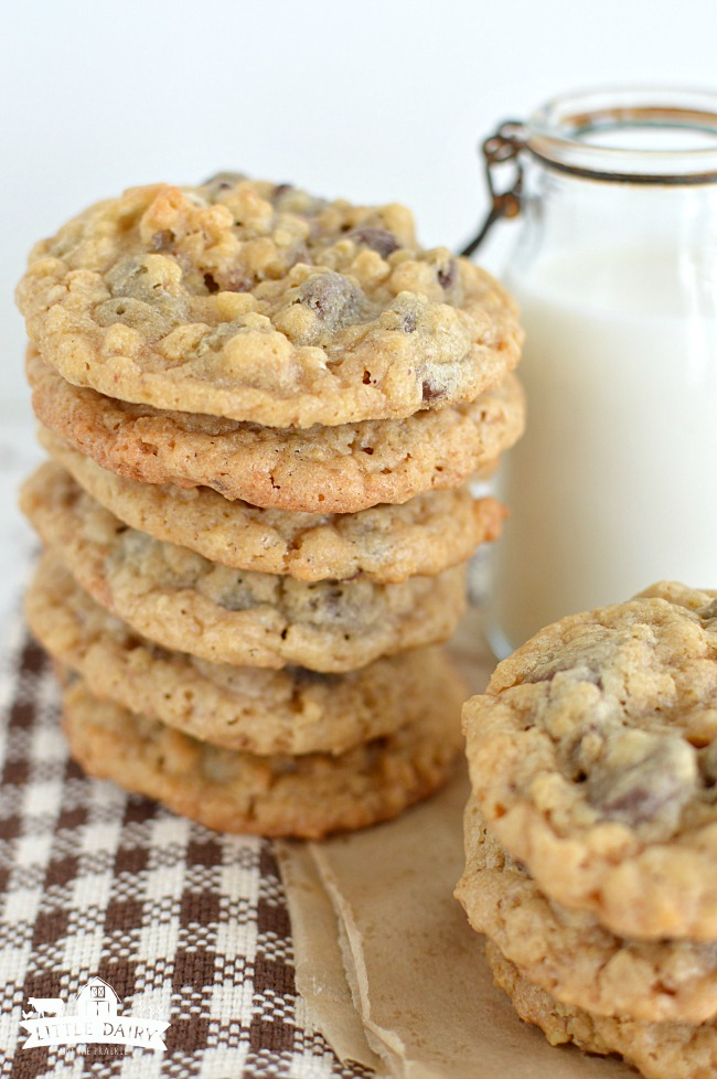 deluxe-chocolate-chip-cookies-6