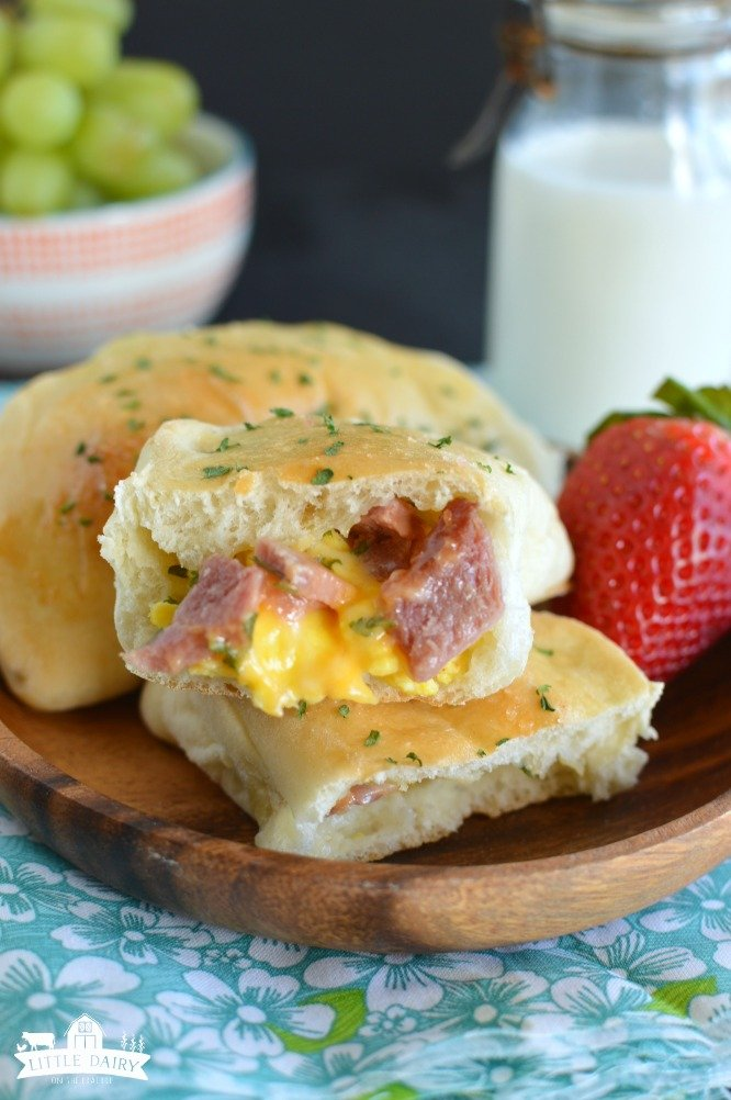 Breakfast Calzones - an easy breakfast recipe for busy days