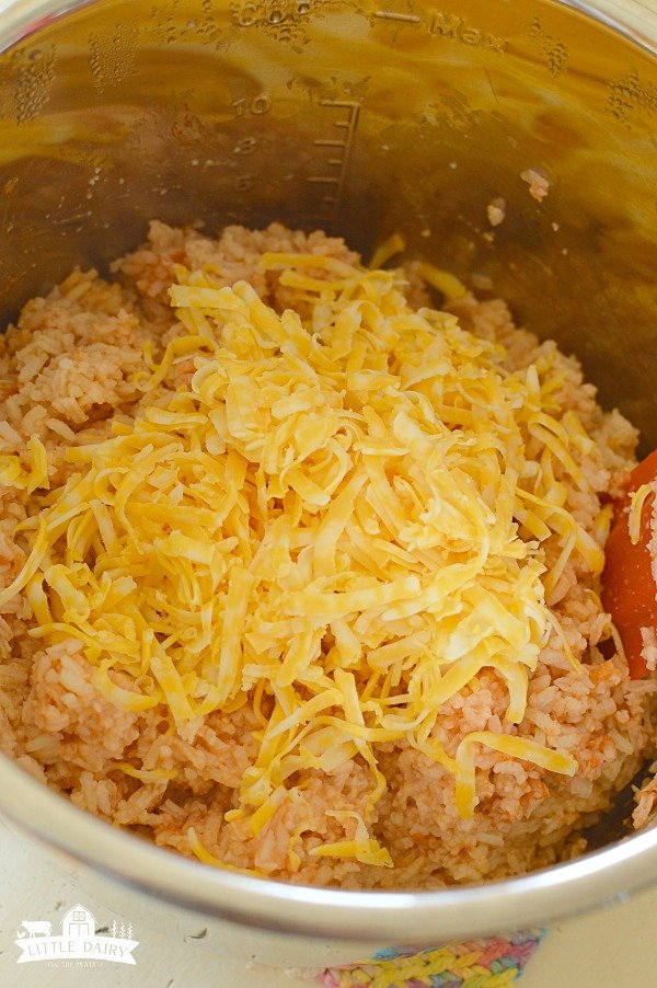 Cheesy Spanish Rice - Because cheese makes everything better!