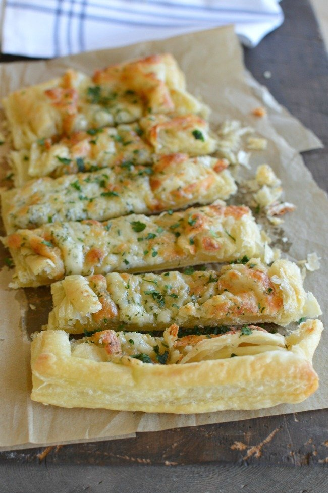Puff Pastry Cheesy Garlic Bread 5