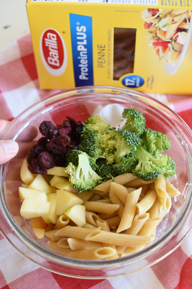 Broccoli Pasta Salad - Pasta, Apples, Broccoli