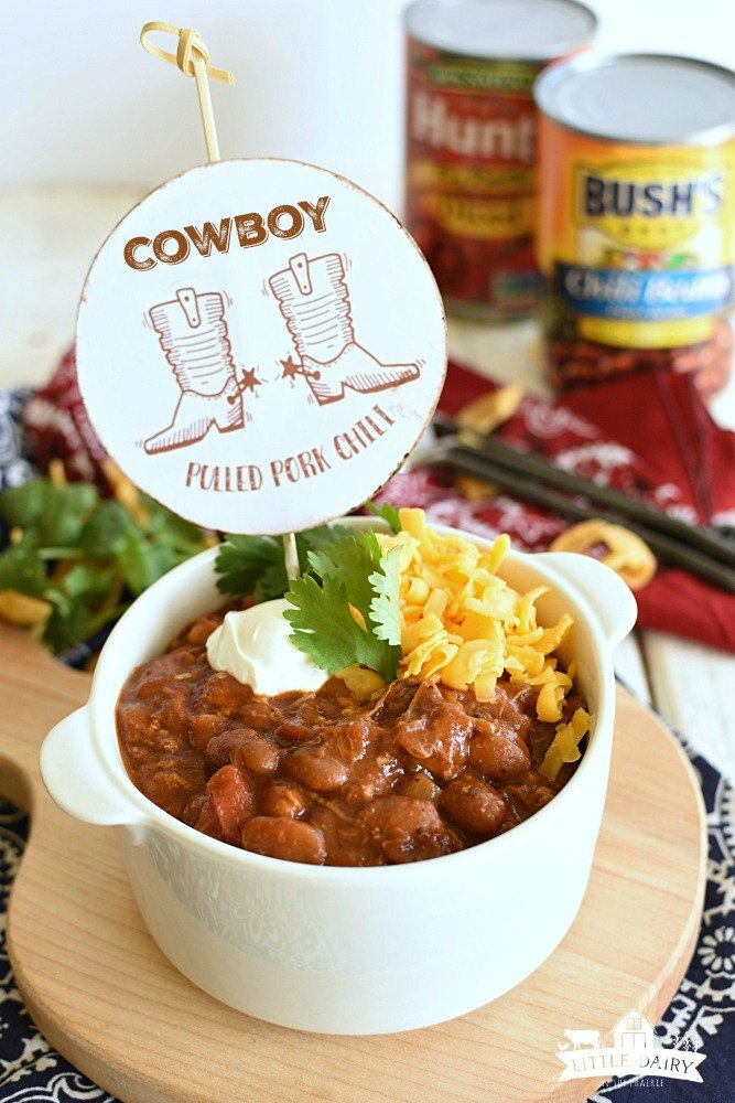 Cowboy Pulled Pork Chili - a hearty meal thats still easy!