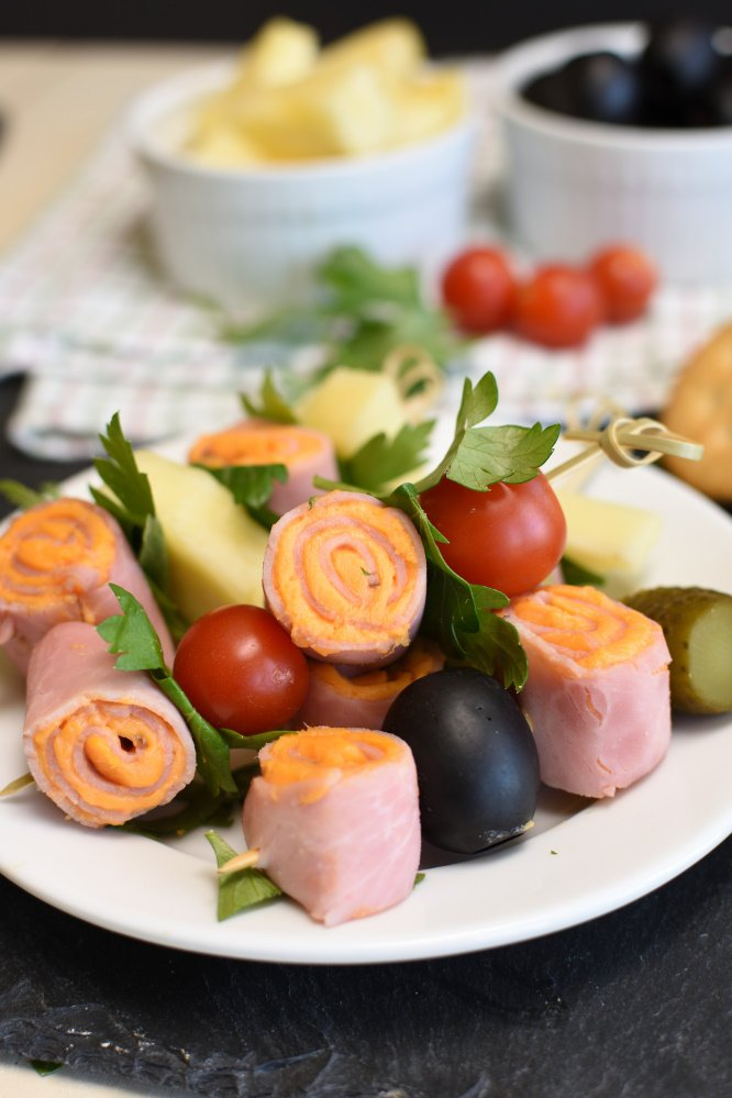 Easy Ham and Cheese Roll-Ups - featured image