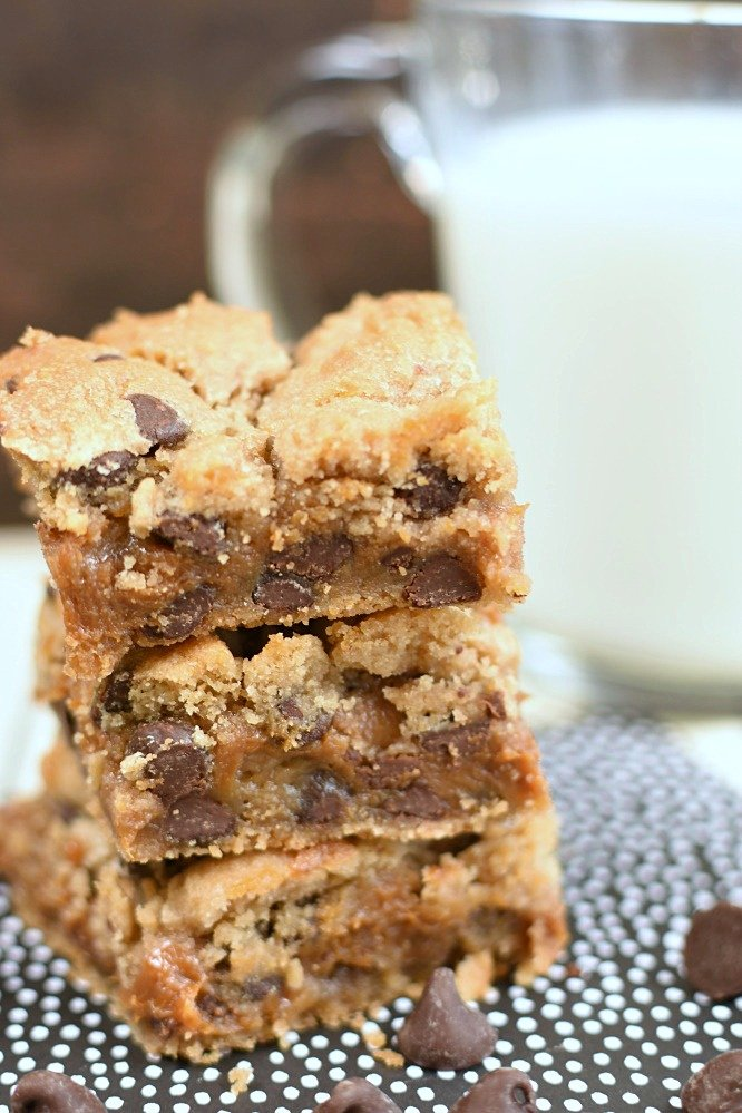 Caramel Filled Chocolate Chip Cookie Bars- best with milk