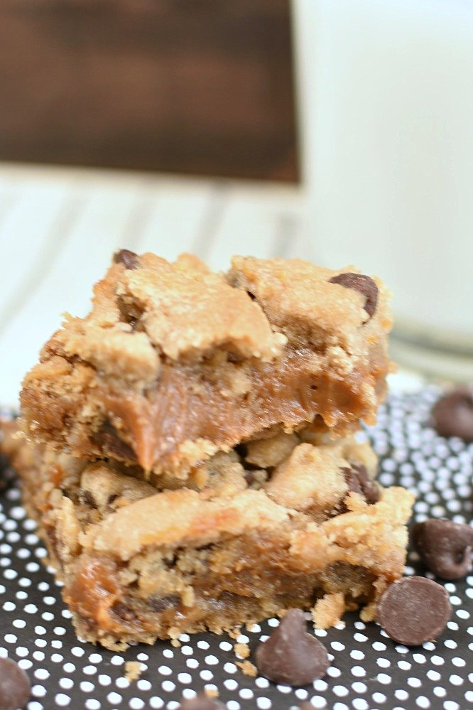 Caramel Filled Chocolate Chip Cookie Bars- dreamy caramel layer