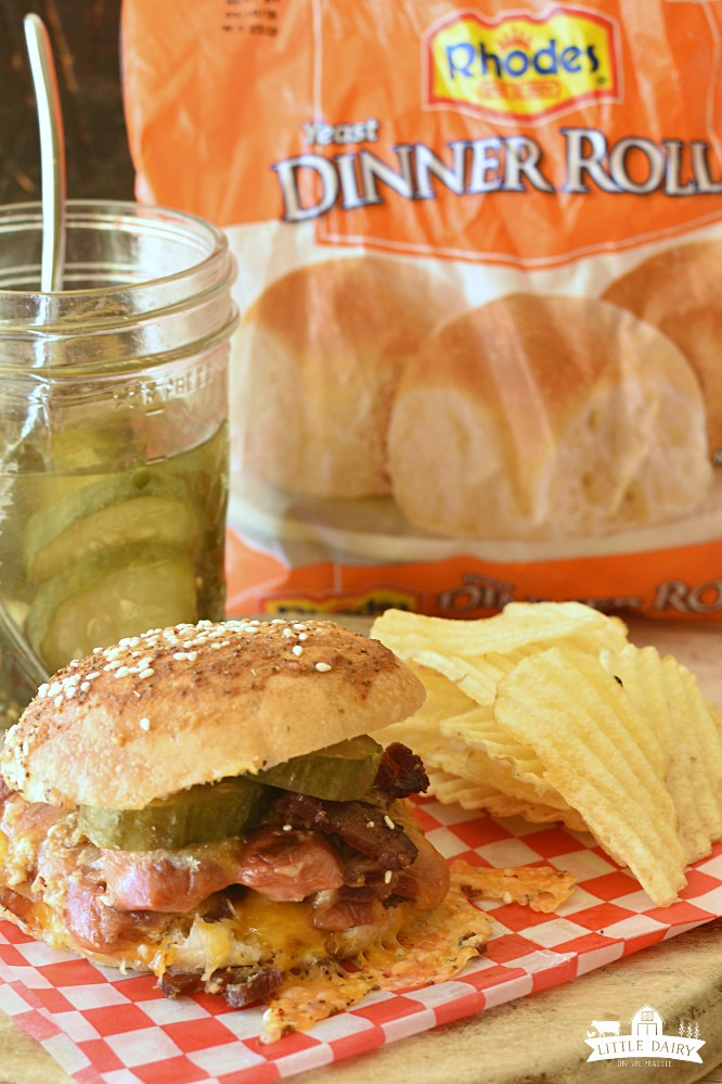 Hotdog Sliders {the ultimate party food} - Little Dairy On ...