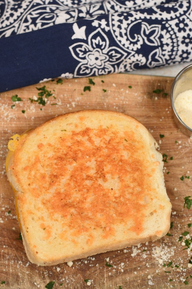 Parmesan Crusted Grilled Cheese Sandwich- the best grilled cheese ever