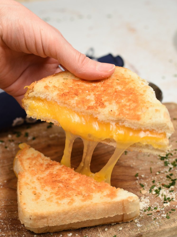 Parmesan Crusted Grilled Cheese Sandwich- ultimate comfort food