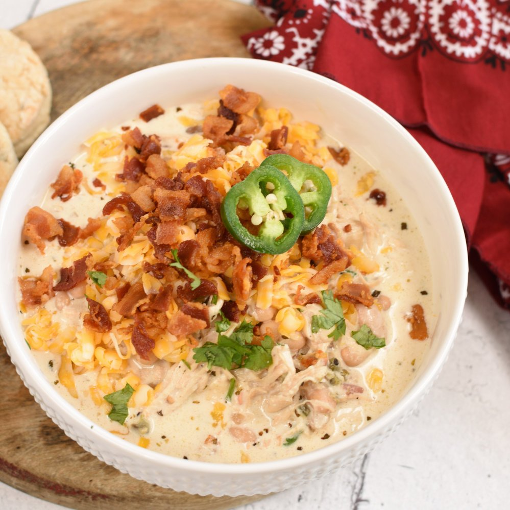 Jalepeno Popper Chicken Chili - featured image