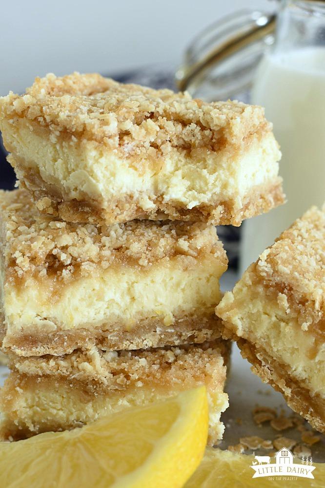 Lemon Cheesecake Crumb Bars- easy recipe