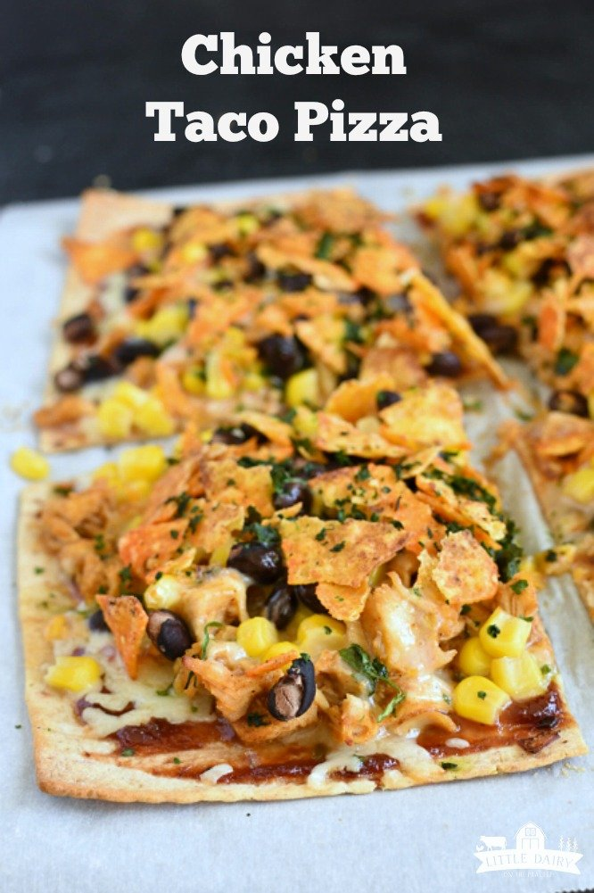 Chicken Taco Pizza on flatbread, use leftover grilled chicken and taco toppings. www.littledairyontheprairie.com #pizza #tacos #grilledchicken #tacotuesday #15minutemeal