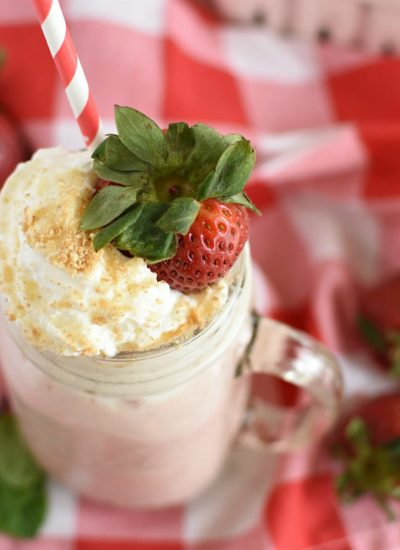 Easy Strawberry Cheesecake Smoothie