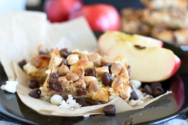 caramel apple crisp magic bars on a plate