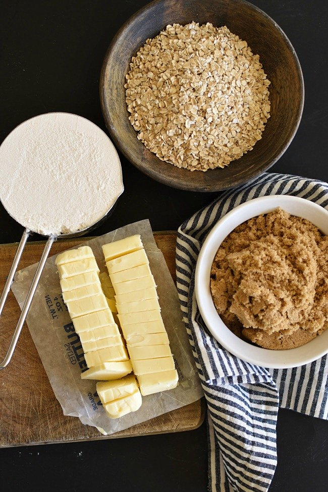 ingredients for making crumb crust
