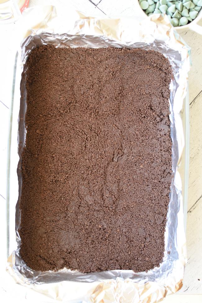 9x13 pan with chocolate graham cracker crust