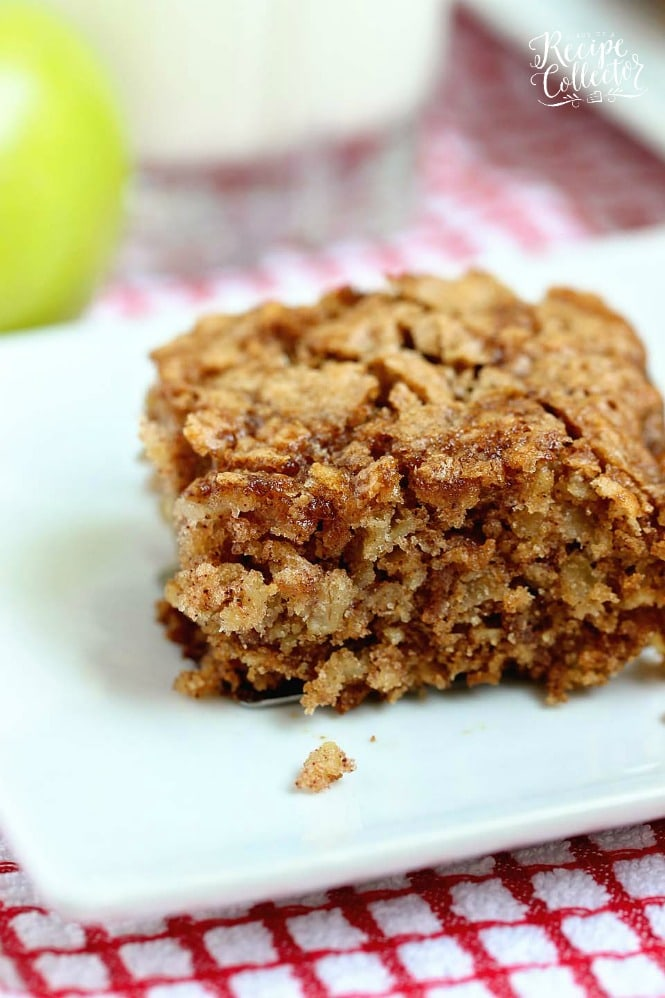 Apple Oatmeal Breakfast Cake