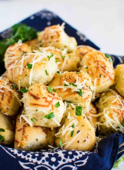 baked cheesy dinner rolls