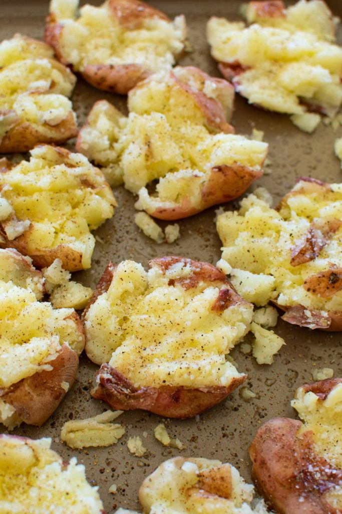 Potatoes that have been boiled and smashed.